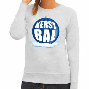 Foute kersttrui kerstbal blauw op grijze sweater voor dames