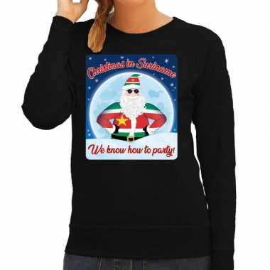 Zwarte foute kersttrui / sweater christmas in suriname we know how to party voor dames